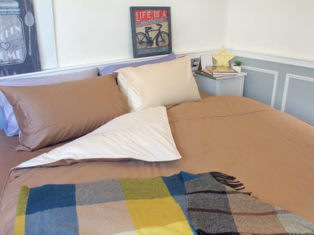床包 / 單人 素色混搭設計款 / 咖X米 100%精梳棉  單人床包含一個枕套