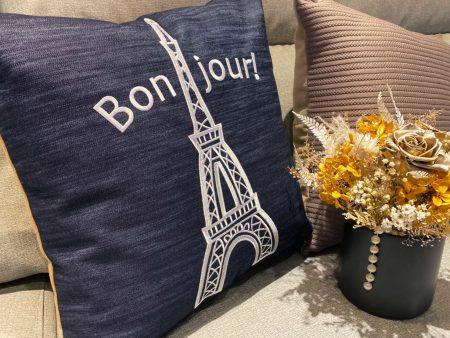 枕頭 / 歐風簡約靠枕 巴黎鐵塔 刺繡款 台灣製
